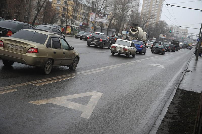 Разметка выделенной полосы для движения общественного транспорта