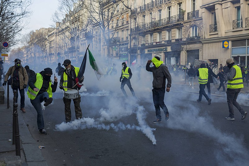 """Протесты """"желтых жилетов"""" во Франции"""