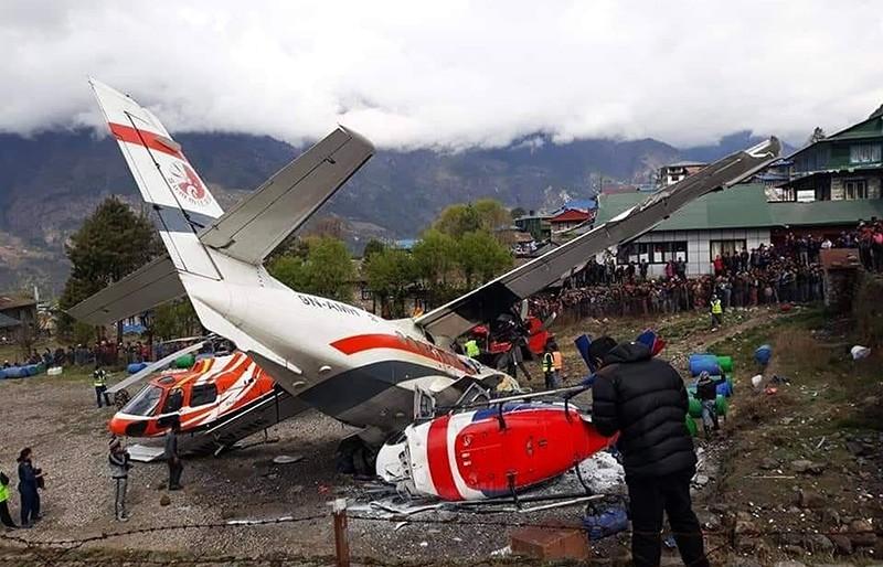 Столкновение самолета и вертолета в Непале