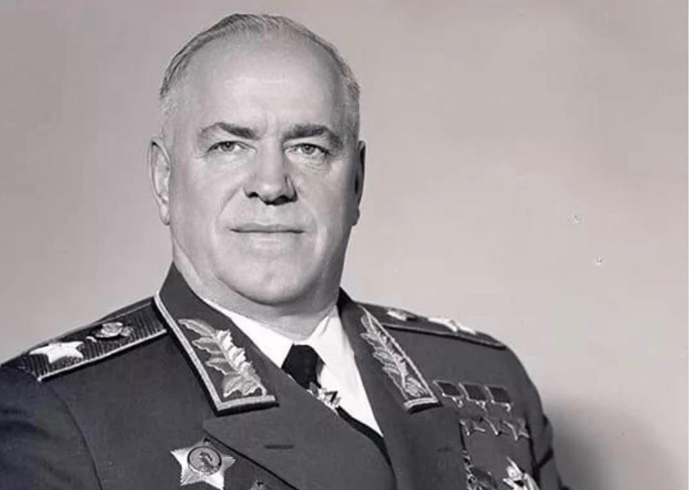 Жуков Георгий Константинович, маршал Советского Союза, четырежды Герой Советского Союза