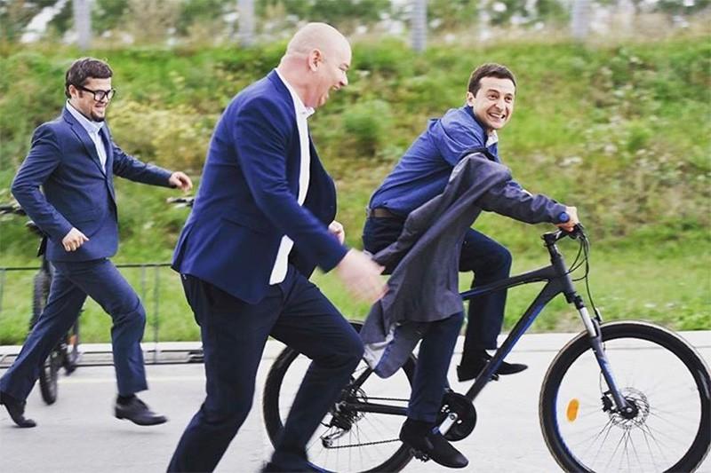 Владимир Зеленский на велосипеде