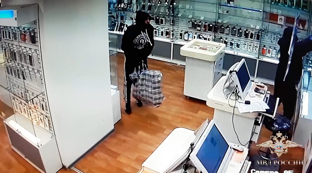 Ограбление в салоне связи в Люберцах