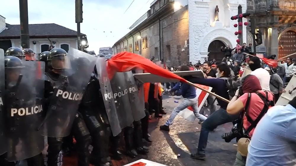 Уличные беспорядки в Эквадоре