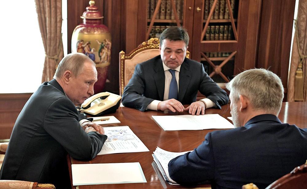 Владимир Путин, Евгений Дитрих и Андрей Воробьёв