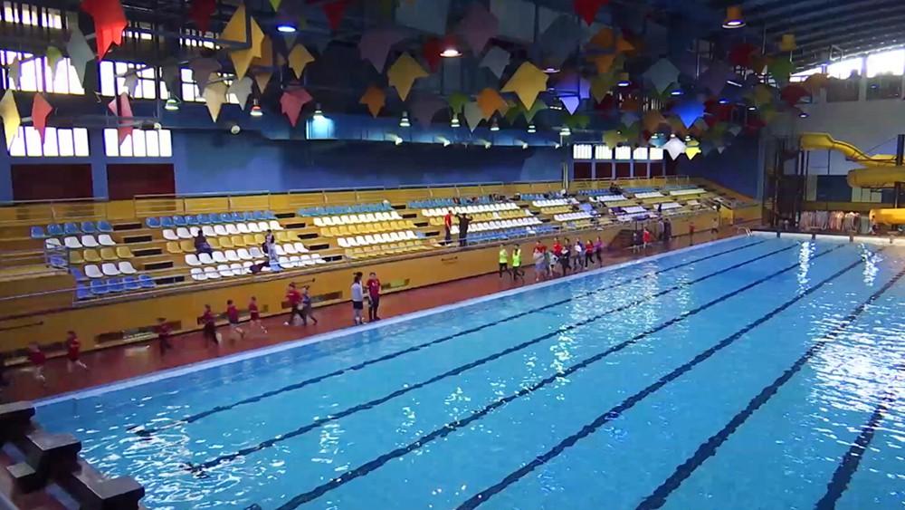 Плавательный бассейн в Сириив