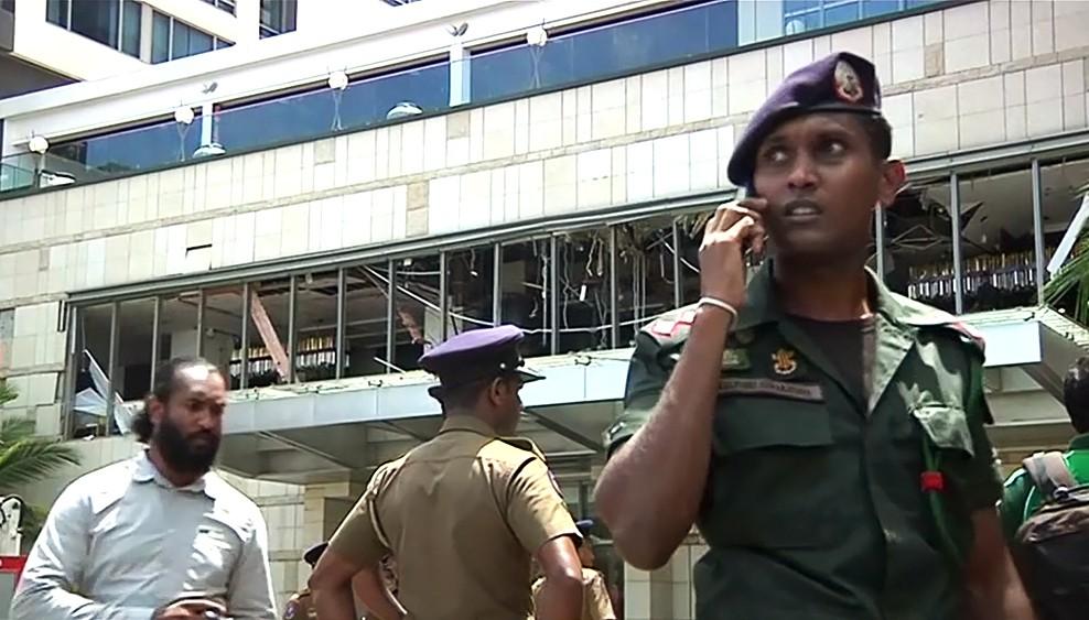 Серия взрывов на Шри-Ланке унесла жизни 160 человек