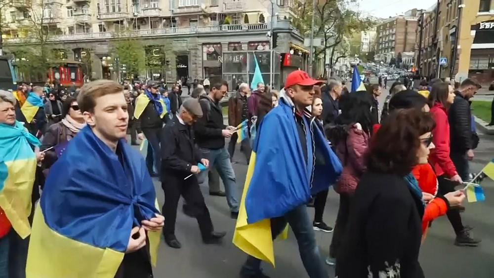 """Смотрите в 22:30 специальный репортаж """"Украина. Меньшее зло?"""""""