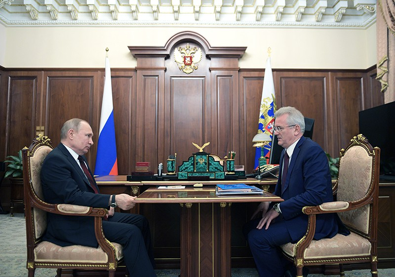 Владимир Путин и губернатор Пензенской области Иван Белозерцев