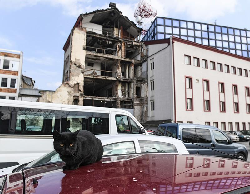 Здание телецентра, разрушенного во время операции НАТО против Югославии