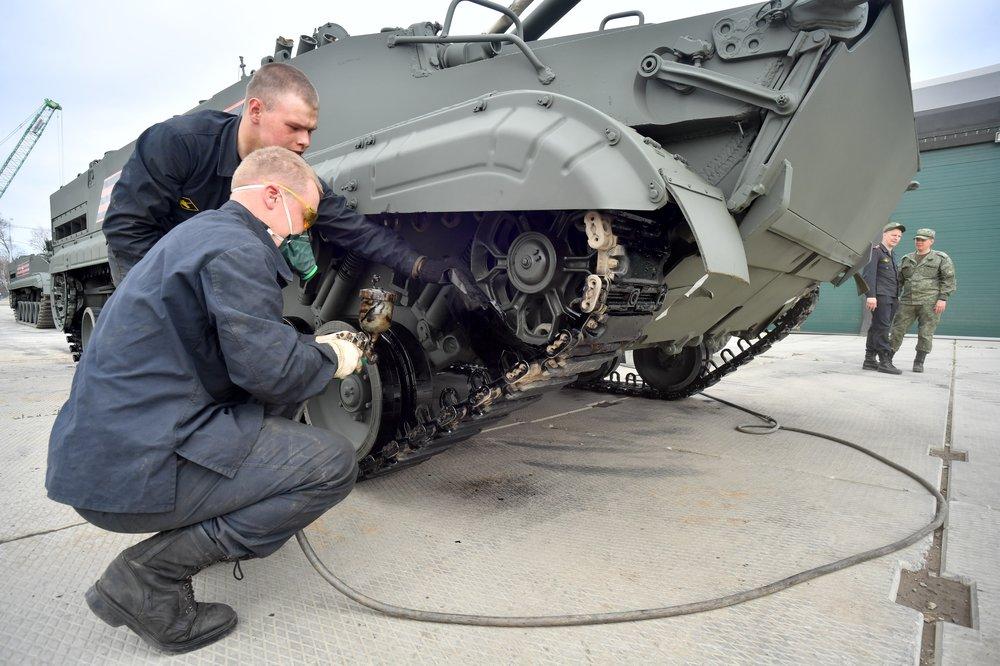 Подготовка военной техники, участвующей в Параде Победы на Красной площади