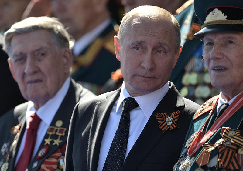 Владимир Путин с ветеранами