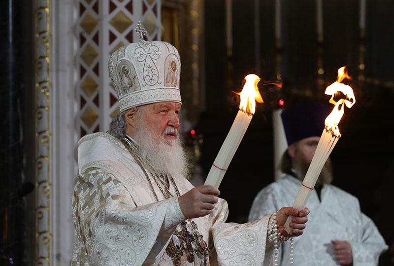 Патриарх Кирилл проводит праздничное пасхальное богослужение