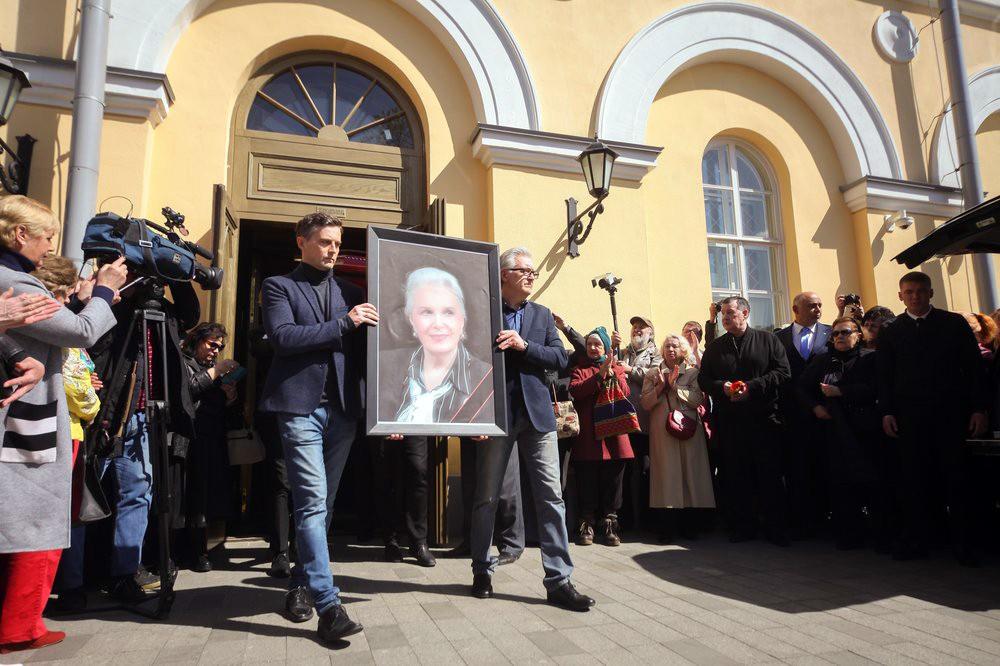 Церемония прощания с народной артисткой СССР Элиной Быстрицкой