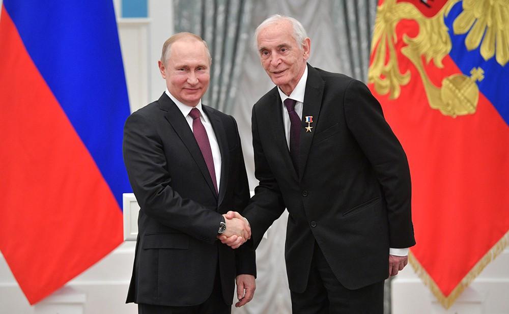 Владимир Путин и артист Василий Лановой