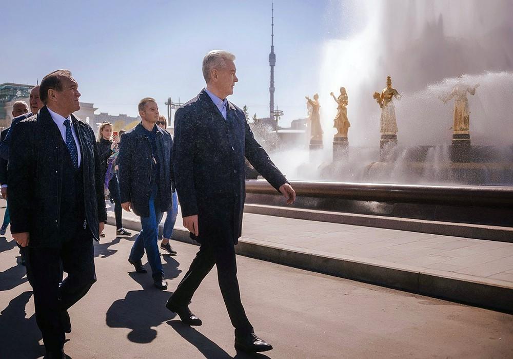 Сергей Собянин на церемонии запуска фонтанов на ВДНХ