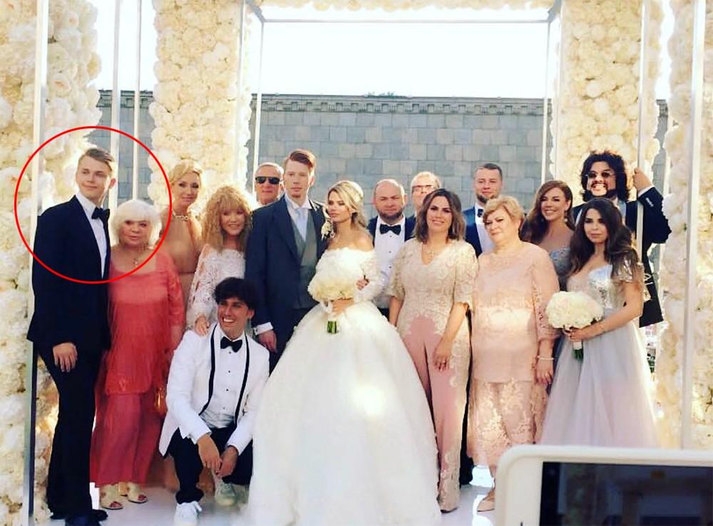 Дени Байсаров на свадьбе Никиты Преснякова