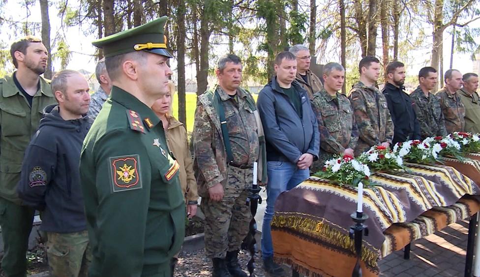 Церемония перезахоронения останков советских воинов в Латвии