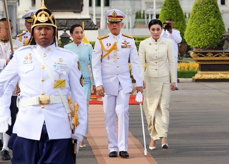Король Таиланда Маха Вичаралонгкорн (Рама Х) и его супруга Сутхида Титжай
