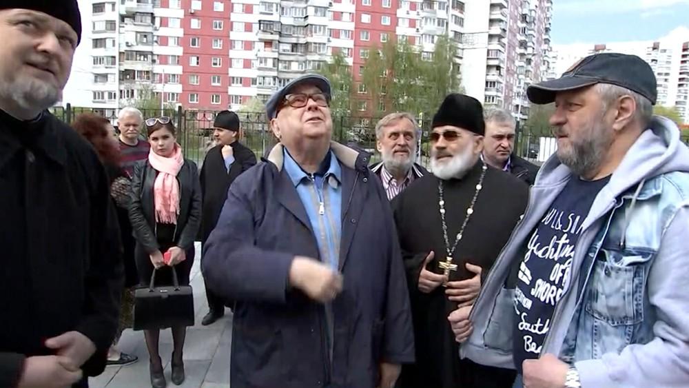 Владимир Ресин осмотрел ход строительства храма