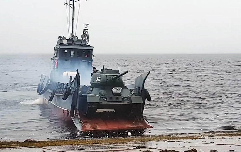 Реконструкция боя Великой Отечественной