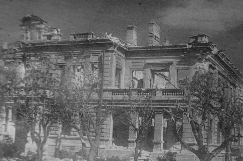Севастополь после боев