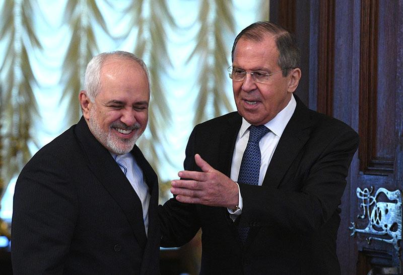 Глава МИД России Сергей Лавров и глава МИД Ирана Мухаммад Джавад Зариф во время встречи