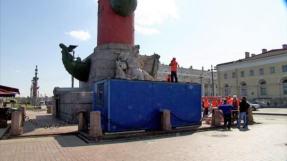 Реставрация Ростральных колонн