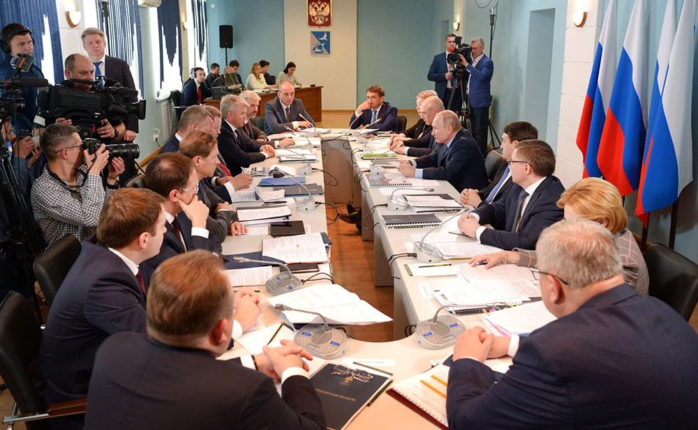 Совещание по вопросам социально-экономического развития Астраханской области