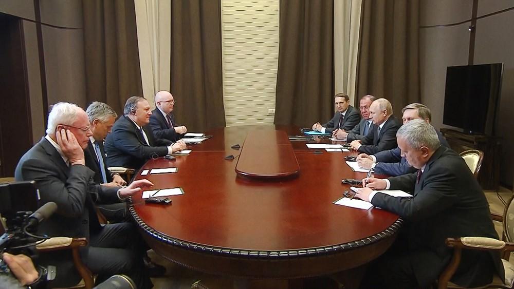 Встреча Владимира Путина и Майка Помпео