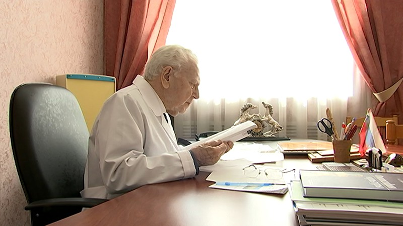 Академик Николай Палеев