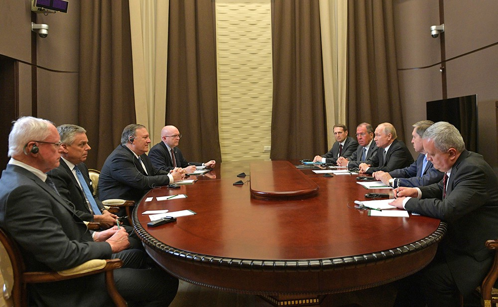 Владимир Путин на встрече с госсекретарём США Майком Помпео