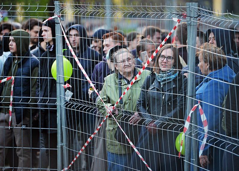 Акция протеста против строительства храма на месте городского сквера в Екатеринбурге