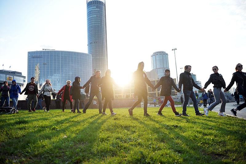 Участники протестной акции против строительства храма Святой Екатерины в Екатеринбурге