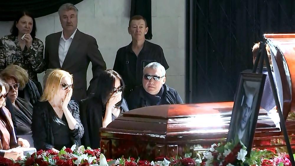 Церемония прощания с журналистом Сергеем Доренко