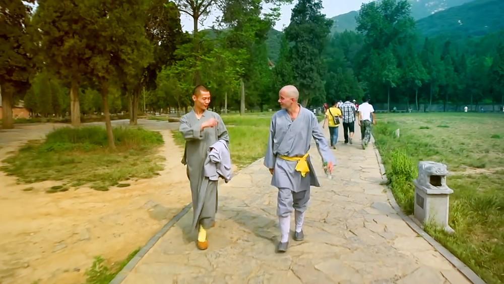 Монахи в Китае