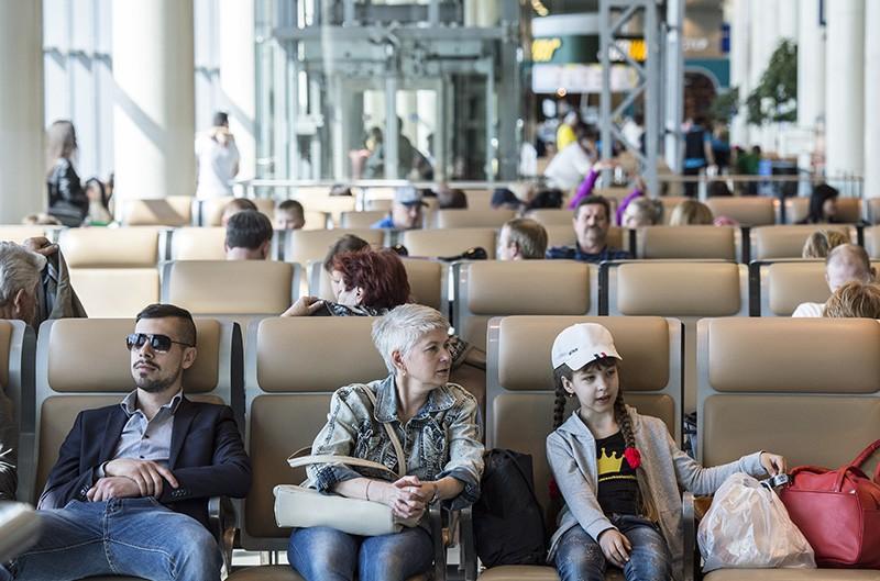 Пассажиры ожидают вылета