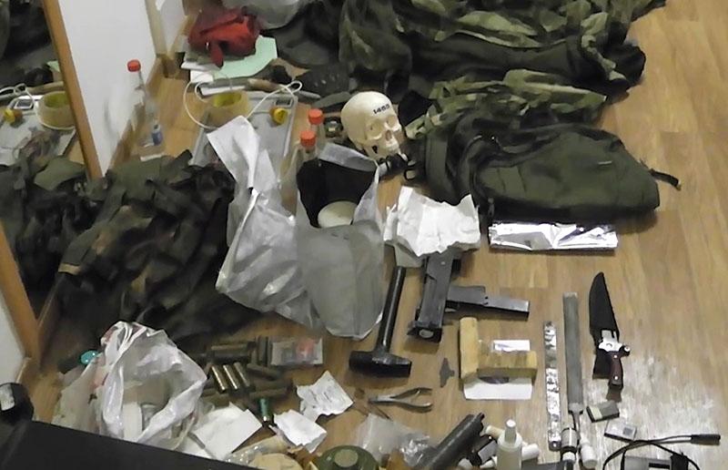 Оружие, изъятое у задержанных в Астрахани экстремистов