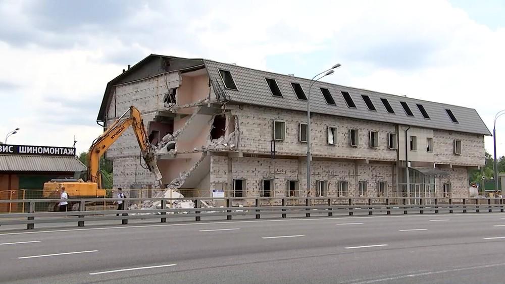 Демонтаж гостиницы