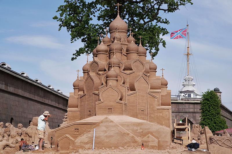 Международный фестиваль песчаных скульптур в Санкт-Петербурге