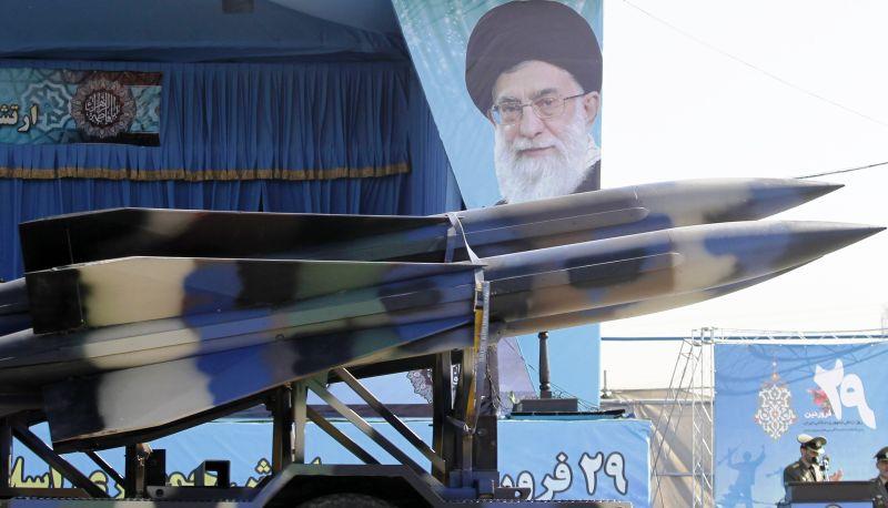 Парад военной техники в Иране