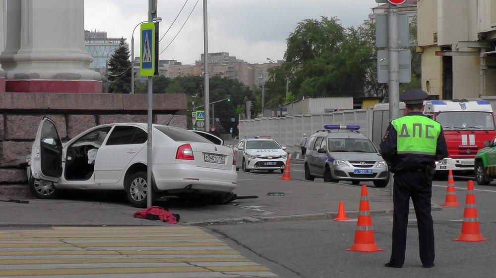 Последствия ДТП в центре Москвы