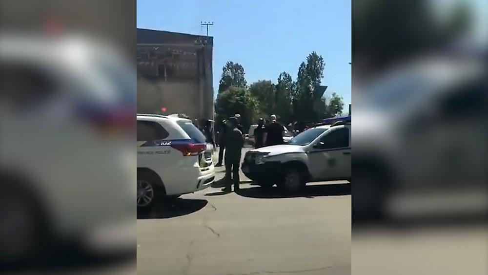 Полиция Украины возле колонии в Одессе