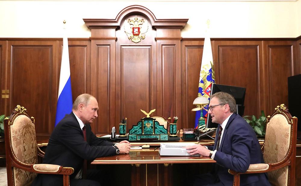 Владимир Путин и уполномоченный по защите прав предпринимателей Борис Титов