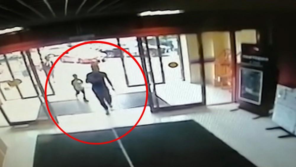 Мать оставившая сына в торговом центре