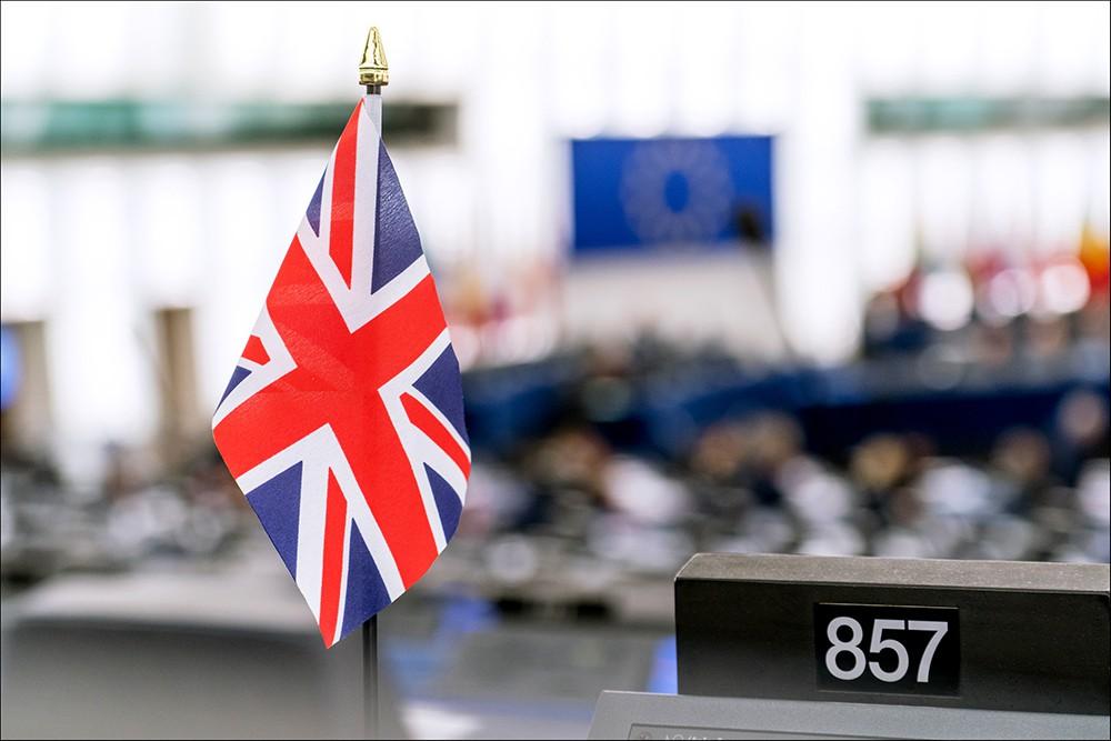 Флаг Великобритании в Европарламенте