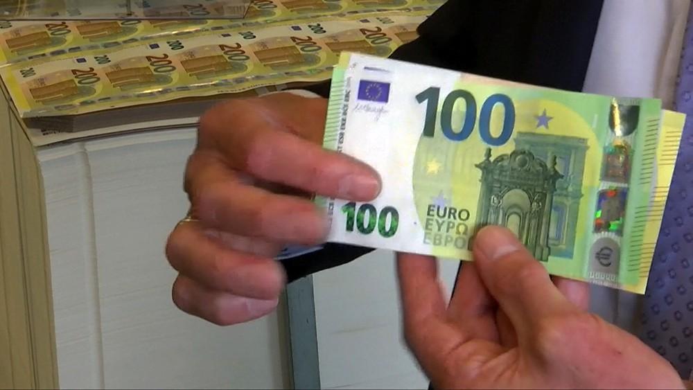 Новые купюры в 100 евро
