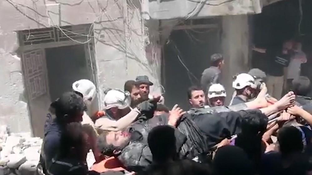 """Постановочные съемки """"Белых касок"""" в Сирии"""