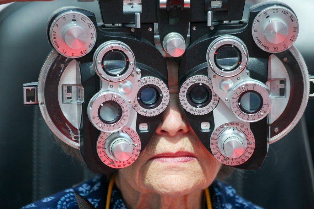 Осмотр у врача офтальмолога