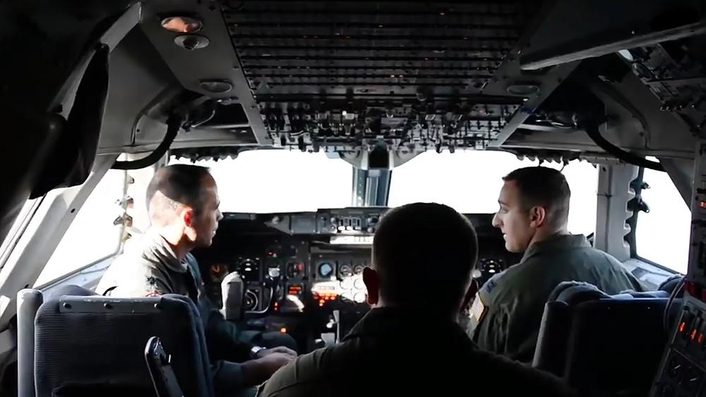 "Пилоты ВВС США в самолете E-4B ""Судного дня"""