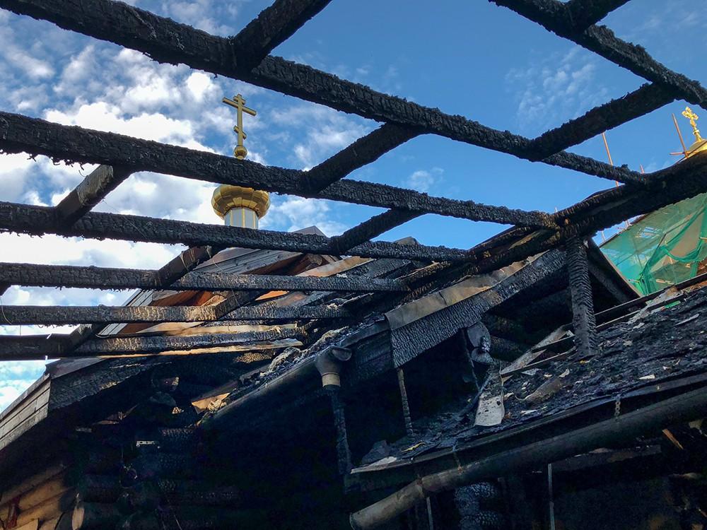 Последствия пожара в храме